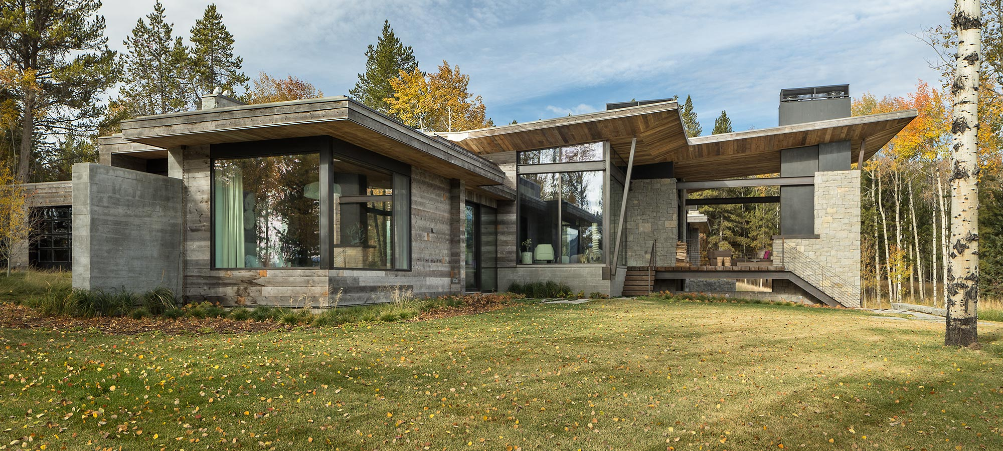 Moosebluff House Montana by Pearson Design Group