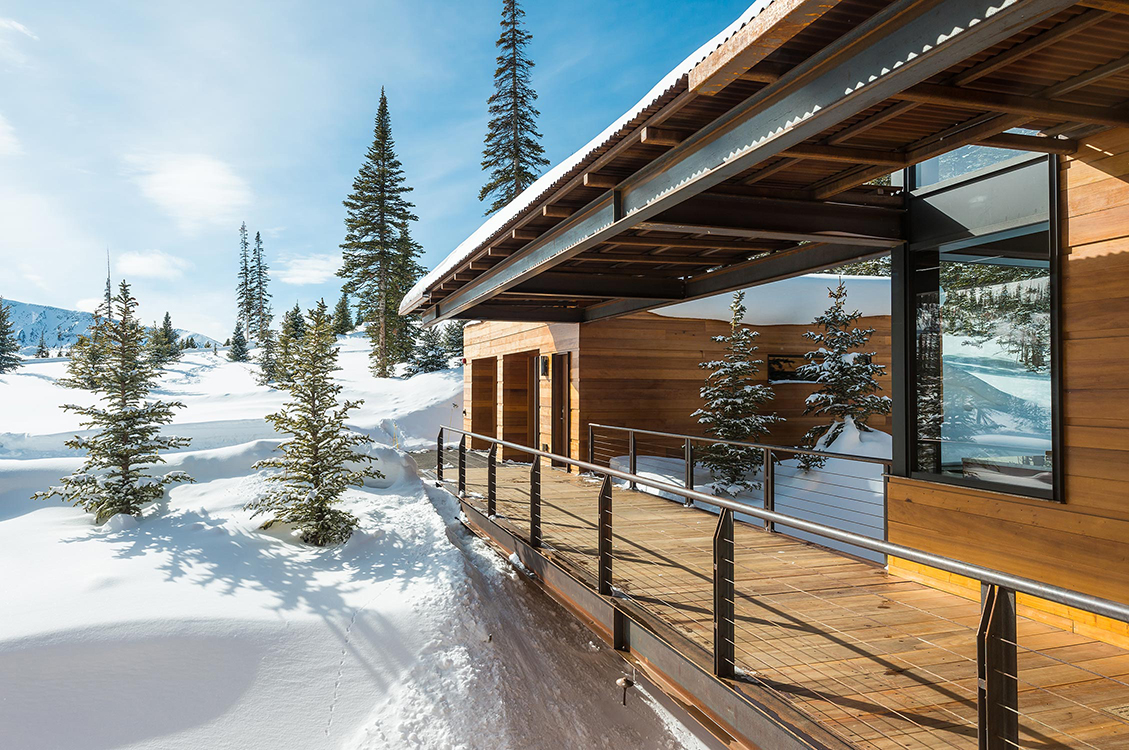 Pearson design group mountain modern for Modern mountain house