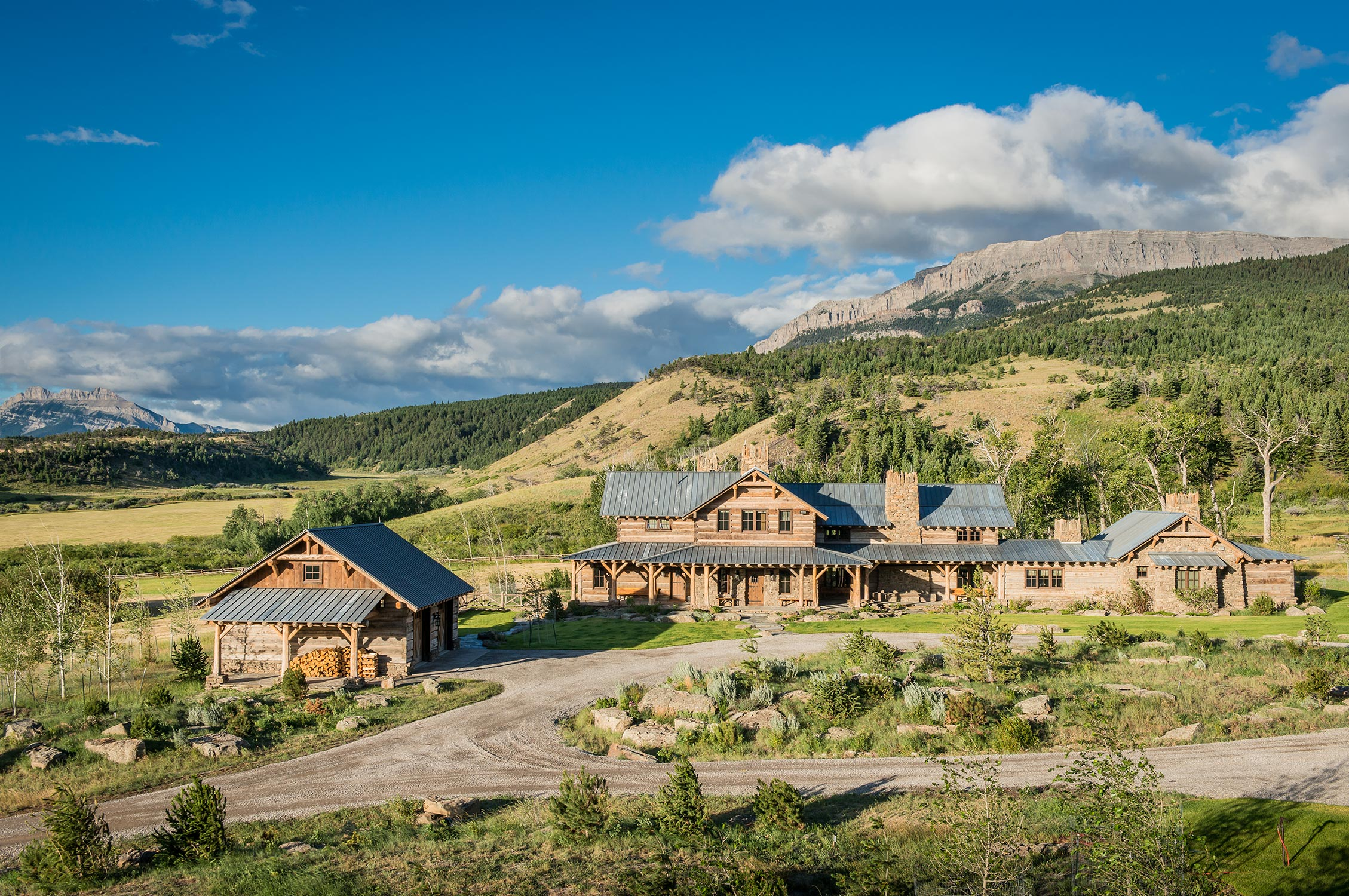 Pearson design group mt mountain ranch for Montana ranch house
